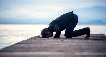 muslim-praying-shutterstock-800x430